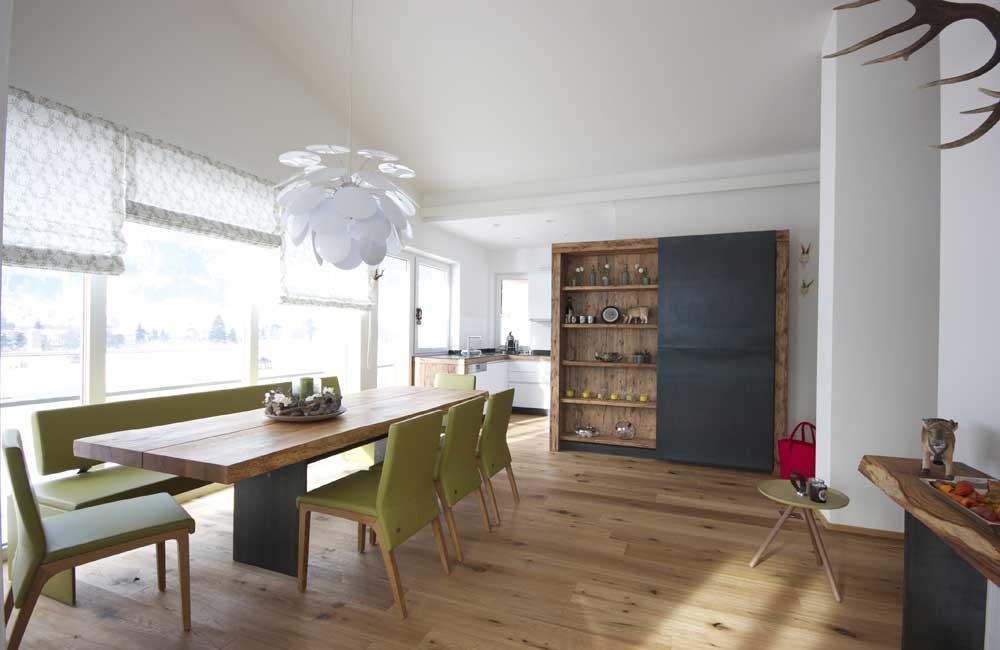 Wohnraum mit Altholz