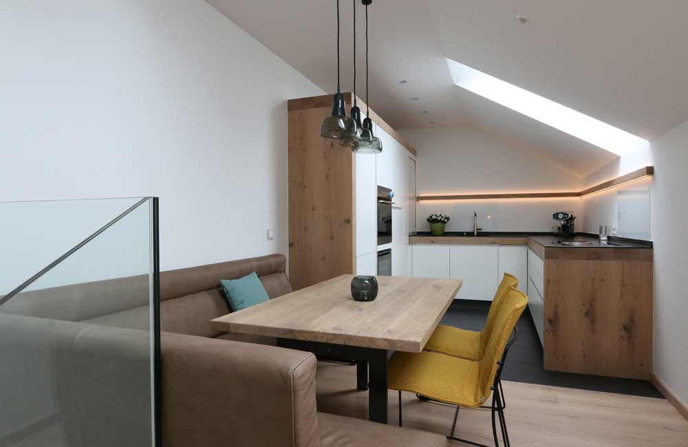 Sendlhofer Küche weiß mit Altholz
