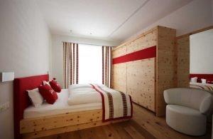 sendlhofer-zirbe-schlafzimmer