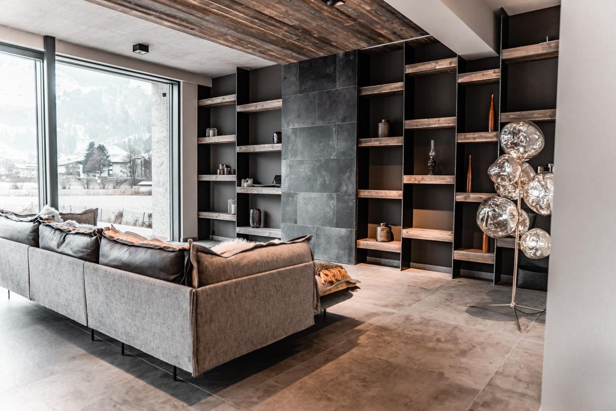 Wohnzimmer mit Schrankverbauung