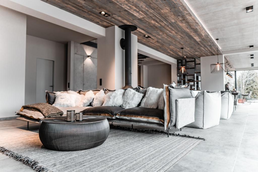 Wohnzimmer, Innenarchitektur, Altholzdecke,