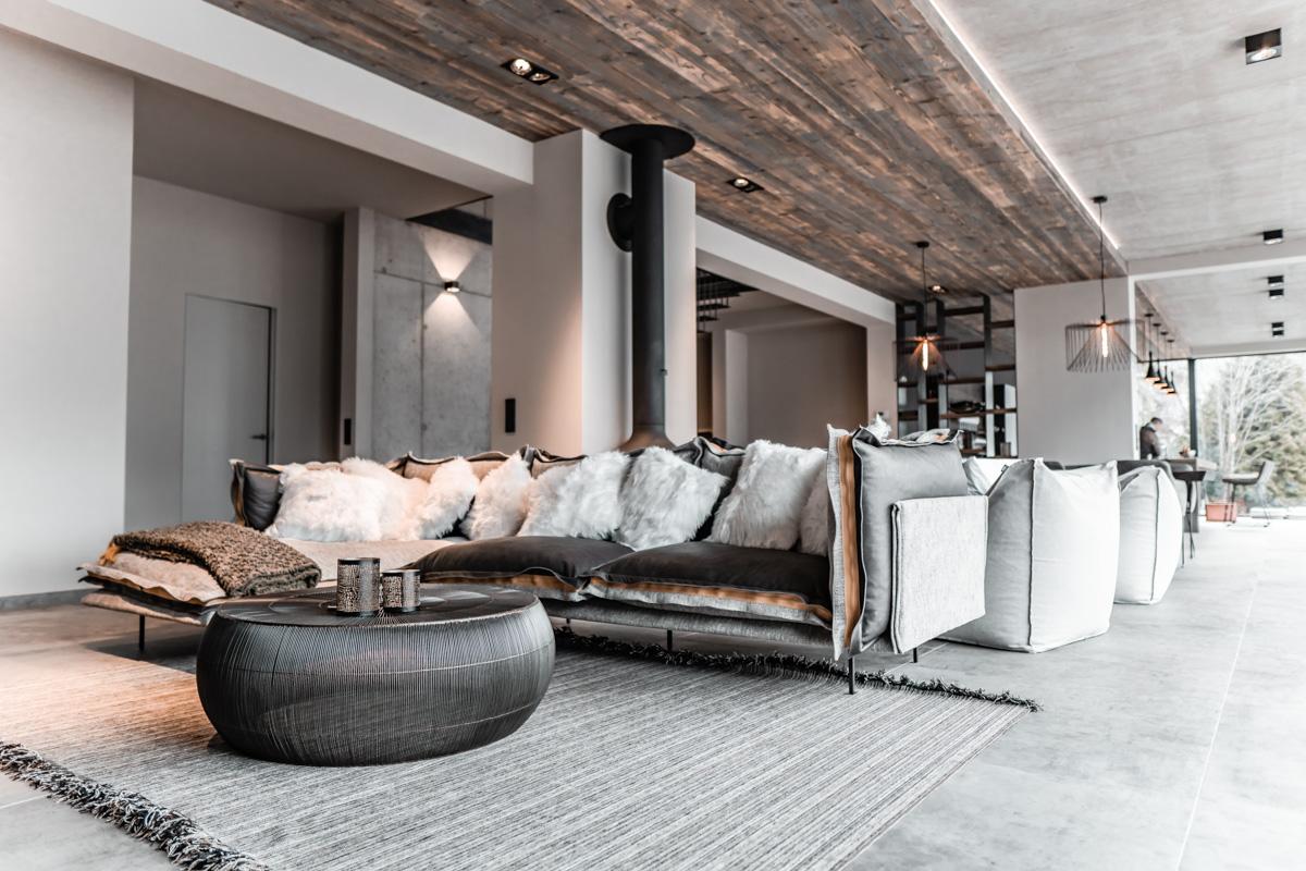 Wohndesign modern, grau, altholz