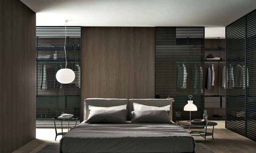 Rimadesio Schlafzimmer, begehbarer Schrank mit Schiebetüre