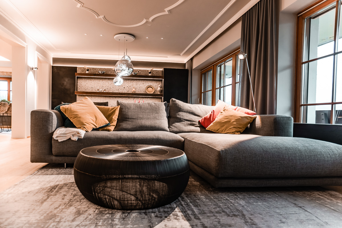 Wohnzimmer mit Sofa - Innenarchitektur