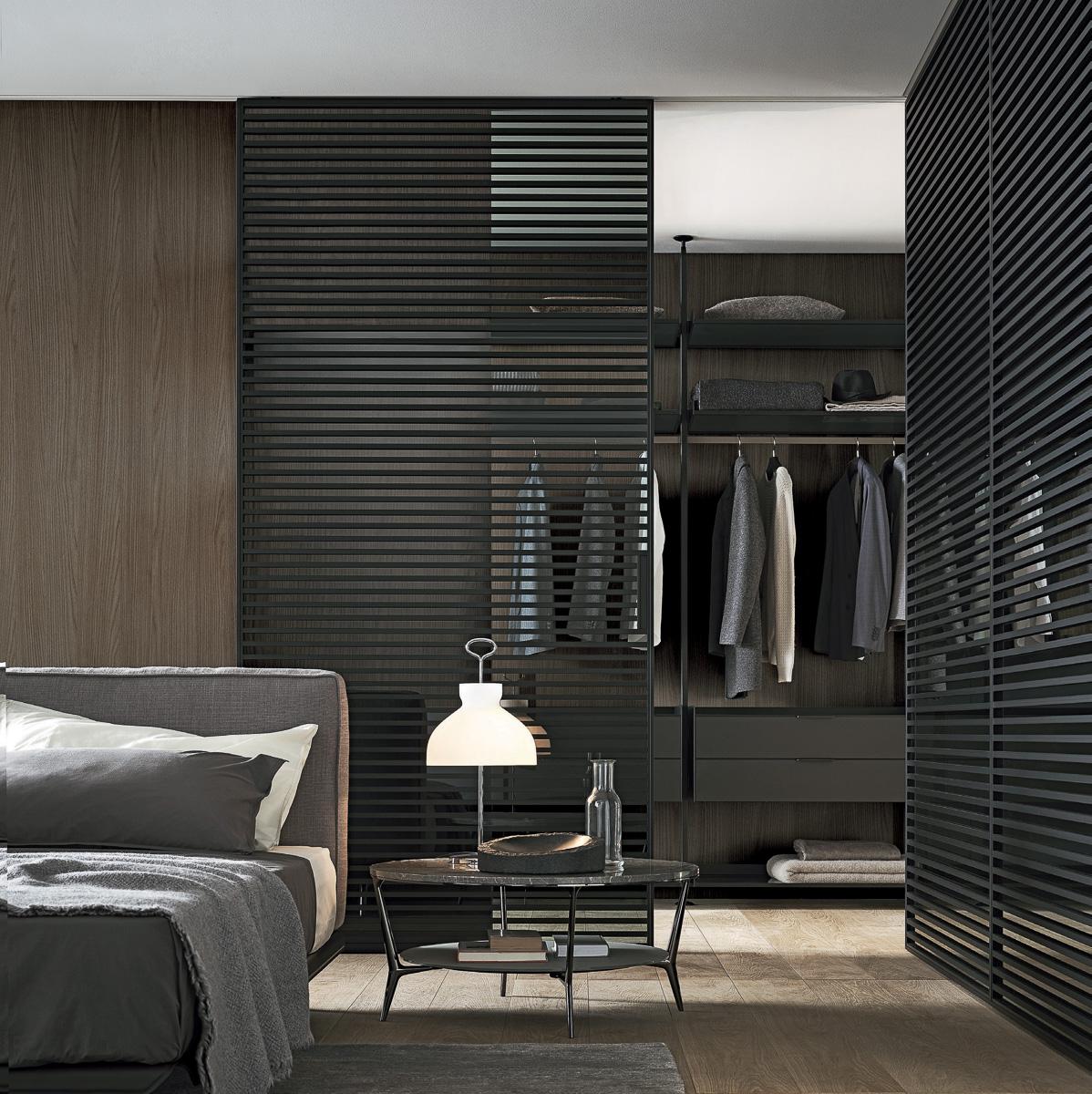 Schlafzimmer mit Ankleidezimmer dunkel - Wohndesign